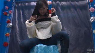 【アダルトロリータ無料 にっかつ】ヤバいサイズのピストンマシンにヤバイ勢いで潮噴く美少女