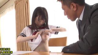 【女子校生動画集muryou】制服美少女の生乳と生パンツチラリズムエロ動画
