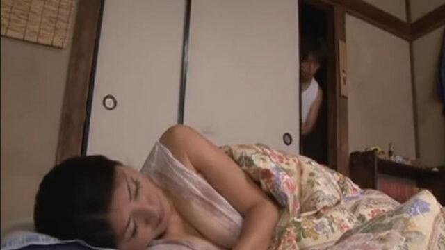 【x-videsos 激しい親子】母息子の恋愛覚悟の妊娠無料動画