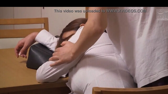 【柄ログちゃんねる】寝て居る姉にはめる体験談